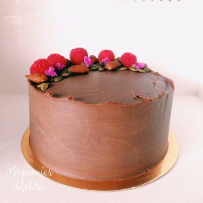 Cake de Ganache con Frambuesas y frutos secos (Nuevo)