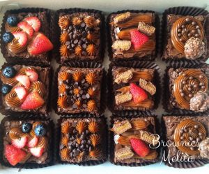 brownies varias con milkyway y fresas